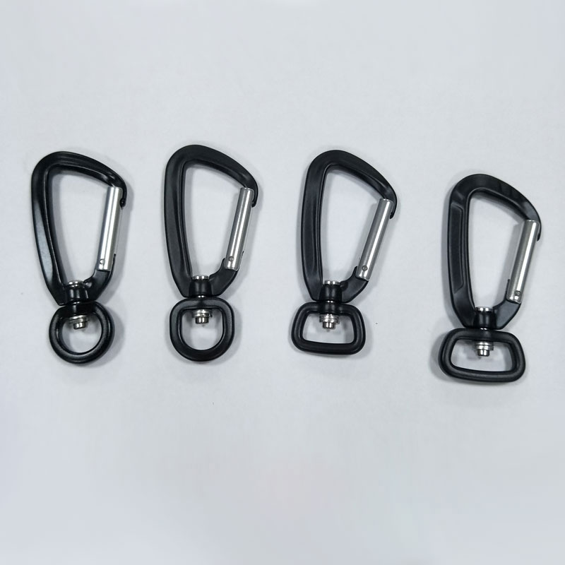 dog leash with carabiner